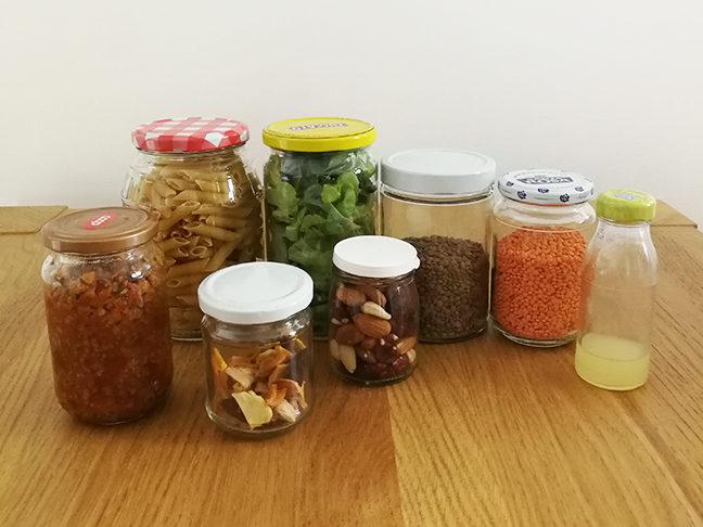 Barattoli di vetro per conservare cibo e avanzi